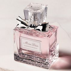 Miss Dior Blooming Bouquet, Flaming Sword, Gold Today, Give It To Me, Make Up, Hair Arrange, Chanel Perfume, Ads Creative, Body Care