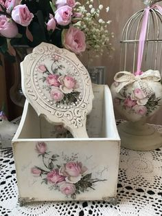 (59) Одноклассники Shabby Chic Art, Shabby Chic Bedrooms, Shaby Chic, Josephine, Little Rose, Decoupage Box, Pearl And Lace, Victorian Decor, Romantic Roses