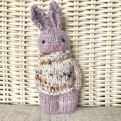 Photo by Gudrun Dahle on February Knitted Doll Patterns, Knitted Dolls, Crochet Toys, Knit Or Crochet, Knitting Patterns, Knitted Bags, Knitting Gauge, Loom Knitting, Free Knitting