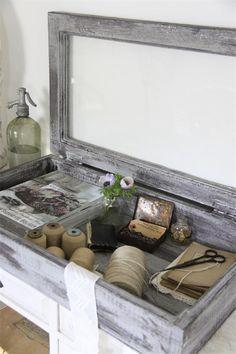 Vanhasta ikkunasta tehty säilytyslaatikko - Sisustus Adella