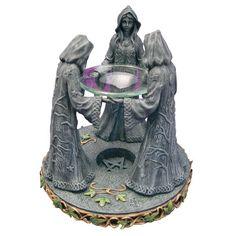 Rituální předměty a pomůcky   Aromalampy   Aromalampa se třemi sudičkami   Čarodějnický obchod Samurai, Buddha, Statue, Fictional Characters, Art, Art Background, Kunst, Performing Arts, Fantasy Characters