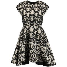 Giambattista Valli Flared cotton-blend jacquard dress (51,695 PHP) ❤ liked on Polyvore featuring dresses, black, loose fitting dresses, flared dress, black jacquard dress, jacquard dress and pleated dress