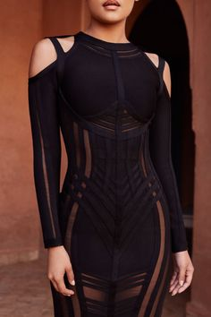 Victoria Bandage Dress Those sleek lines, the cut-out shoulders, that bold fashion forward look – could this possibly be the perfect white bandage dress? Bold Fashion, Dark Fashion, High Fashion, Fashion Beauty, Fashion Looks, Womens Fashion, Fashion Tips, Fashion Design, Fashion Trends