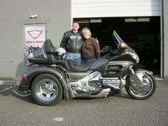 Check out Lloyd and Terri with their newly converted Honda Goldwing GL1800 .. Their trike is based on the Adventure IRS from Motor Trike .. This is Motor Trike's super smooth riding Independent Rear Suspension.. The add on's include running boards, fender bras, easy steer, rear lighted bumper and a trailer to go with! Sweet!