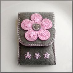 Ipod / Iphone / cell phone case cozy felt hand by KimimilaArt, etsy.com $24.99