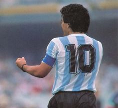Argentina-Corea - Mexico 86 - Maradona Retro Pics (@MaradonaPICS)   Twitter Football Images, Football Design, Football Pictures, Nike Football, Football Stickers, Football Cards, Retro Pictures, Retro Pics, Mexico 86