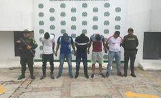 capturados en ocana cinco hombres senalados de hurtar a 30 ocupantes de un vehiculo de servicio publico - Categoria: Actualidad  ND: El atraco habrAa sido en el sector de fanny SanAn Villa, municipio de RAo de Oro.En cumplimiento con la Ofensiva Nacional Contra el Crimen, ordenado por el presidente de la RepAblica y la DirecciAn General de la PolicAa Nacional de todos los colombianos, la PolicAa de Norte de Santander logrA la captura de cinco sujetos que presuntamente habrAan asaltado un…