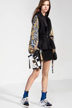 Louis Vuitton Pre-Fall 2018