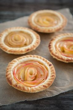 Rose Apple Mini Pies - from Wimberly Wimberly McGowan (Eclectic Recipes) Mini Desserts, Just Desserts, Delicious Desserts, Yummy Food, Plated Desserts, Tart Recipes, Apple Recipes, Dessert Recipes, Dinner Recipes