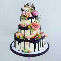 """This engagement cake"""