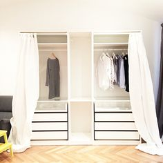 pax kleiderschrank wei vikanes wei sliding mirror doors ikea pax wardrobe and doors. Black Bedroom Furniture Sets. Home Design Ideas