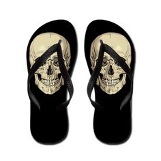 ☆ Skull Flip Flops ☆  Never had those when I was growing up and in flip-flops for the entire summer!