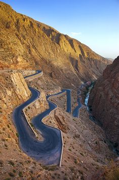 Dadès Gorge, Morocco (by Unaitx0 ). Anyone else want to ride this road?