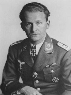 ✠ Wolfgang Skorczewski (July 3rd, 1913 - November 30th, 2005) RK 17.09.1941 Oberleutnant Staffelkapitän i. d. I./KG 27
