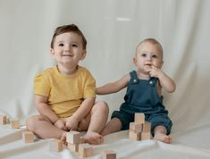 we're launching our very own kids clothing line! meet kinder capsule - size adjustable clothing for children. organic, ethically made, sustainably produced.