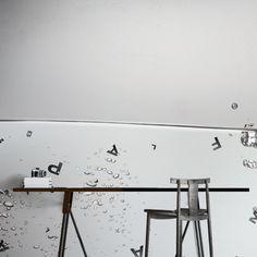 BUB LETTERS. Abbellisci la parete della tua casa con la carta da parati miscelando texture, foto o disegni per dare vita a soluzioni brillanti, seducenti, uniche!http://www.arredamentimeneghello.it/prodotti/carta-da-parati/
