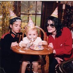 Omer Bhatti, Prince Jackson and Michael Jackson ♥♥ - michael-jackson Photo