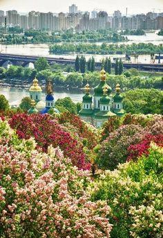 "Magnificent Kyiv, UKRAINE .................... #GlobeTripper® | https://www.globe-tripper.com | ""Home-made Hospitality"" | http://globe-tripper.tumblr.com/"