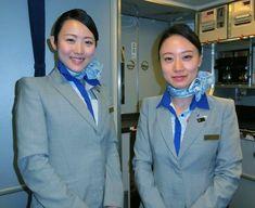 【Japan】 All Nippon Airways cabin crew / 全日本空輸 客室乗務員 【日本】 Female Pilot, Cabin Crew, Flight Attendant, Beautiful Asian Women, Silk Scarves, Asian Woman, Aviation, Japan, Twitter