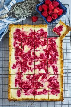 Low Carb Raspberry Cheesecake Bars are the low carb answer to swirling together cream cheese, raspberries, low carb sweetener and some coconut. Keto Friendly Desserts, Low Carb Desserts, Low Carb Recipes, Dessert Recipes, Cooking Recipes, Healthier Desserts, Raspberry Cheesecake Bars, Raspberry Bars, Cheesecake Cups