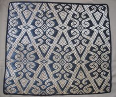 Handwoven Traditional Borneo Bamboo Mat - Longhouse wall hanging Floral Design