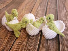 T-Rex Amigurumi Toy with Egg - Dinosaur in Egg - Dinosaur Play set - Crochet Dinosaur - Geek Gift - Dino Hatchlings - Paleontology Gifts - Knitting Pin Crochet Amigurumi, Amigurumi Patterns, Crochet Dolls, Knitting Patterns, Crochet Dinosaur Patterns, Amigurumi Toys, Crochet Baby Toys, Baby Knitting, Crochet Gifts