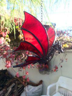 Een persoonlijke favoriet uit mijn Etsy shop https://www.etsy.com/listing/257187247/suncatcher-dragon-stained-glass-dragon