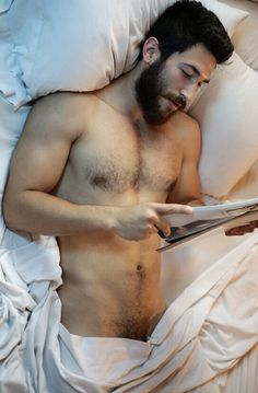 ) A gay man who is very hairy all over his body, but is smaller in frame and weighs considerably less than a bear. Hairy Men, Bearded Men, Guys Read, Hairy Chest, Facial Hair, Male Beauty, Perfect Man, Male Body, Cute Guys