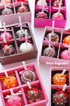 Pretty cake pops. Great presentation.
