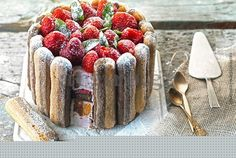 Cake with strawberies and delicious cream! Sweet Recipes, Cake Recipes, Greek Desserts, Food Categories, Sweet Cakes, French Toast, Strawberry, Cheese, Baking