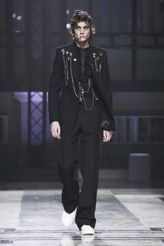 Alexander McQueen Menswear Fall Winter 2016 London