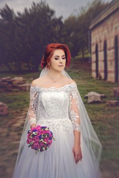 portret mireasa Victorian, Wedding, Dresses, Fashion, Weddings, Valentines Day Weddings, Vestidos, Moda, Fashion Styles