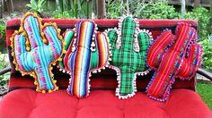 Fare un cuscino a forma di cactus: un tutorial che spiega come si fa senza cucire.