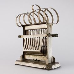 Antique Toaster by Frary & Clark / Universal, I just need to find a cord!