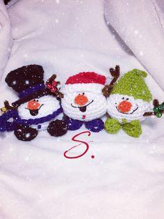 Amigurumi free pattern by Sara B. Snowmen Jingle balls schema gratuito in italiano