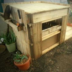 Easy Upcycled Pallet Into Compost Bin Planters & Compost