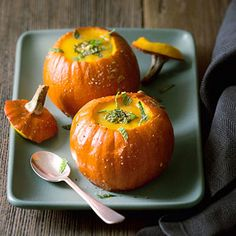 Now here's a way to take the autumn spirit one step further: use pumpkins as soup bowls!