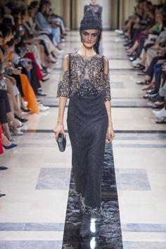 #GiorgioArmani  #fashion  #Koshchenets     Giorgio Armani   Haute Couture - Autumn 2017   Look 34