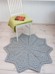 Grey star shaped doily rug 46'' / 117 cm  handmade