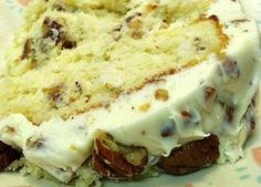 What Southern girl doesn't like Cream Cheese and Pecans? This Quick Italian Cream Cake starts with a cake mix. Just a few added ingredients produces a moist and decadent cake that tastes home made. Quick Italian Cream Cake Recipe, Italian Cream Cakes, Cake Mix Recipes, Frosting Recipes, Cupcake Recipes, Cake Mixes, Dessert Recipes, Gourmet Recipes, Cooking Recipes