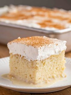 Tres Leches Cake is an authentic Mexican cake soaked in three kinds of milk topped with whipped cream and cinnamon The ultimate indulgent dessert recipe cake dessert mexicanrecipes baking tresleches treslechescake dinnerthendessert Gâteau Tres Leches, Tres Leches Recipe, Tres Leches Cupcakes, Chocolate Tres Leches Cake, Authentic Mexican Desserts, Mexican Dessert Recipes, Mexican Cakes, Dinner Recipes, Food Cakes
