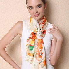 Kvalitný dámsky hodvábny šál s kvetinovým vzorom v pomarančovo-žltej farbe (2)