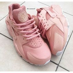 Rose Gold Pearl Full Nike Air Huarache White Sole Rose Gold Nike... ($214) ❤ liked on Polyvore featuring shoes, sneakers, sneakers & athletic shoes, tie sneakers, unisex adult shoes, white, unisex sneakers, white-soled shoes, white trainers and unisex shoes