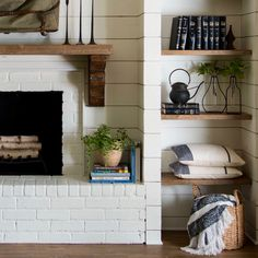 Mantel shelf rustic brackets - Home Decorating Trends - Homedit