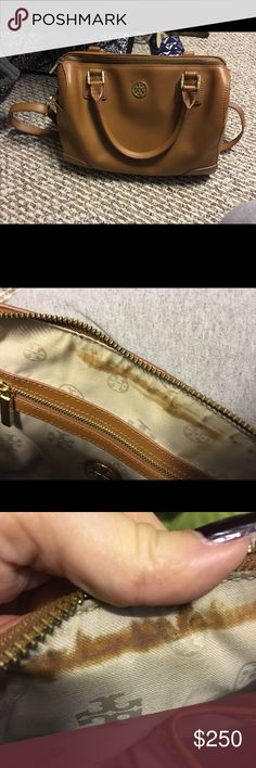 Robinson Bag In good condition. Exterior is perfect, interior has some wear as pictured. Tory Burch Bags