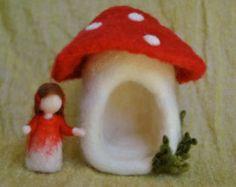 Needle felted Fairy House /Soft Sculpture Mushroom by MagicWool Mushroom Crafts, Felt Mushroom, Wet Felting, Needle Felting, Felt Angel, Felt House, Waldorf Crafts, Felt Fairy, Felting Tutorials
