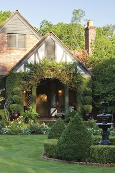 Tudor Cottage, Cottage House Plans, French Cottage, Cottage Homes, Tudor House Exterior, Exterior House Colors, Exterior Houses, Stone Exterior, House Exteriors