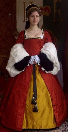 Tudor Era Kirtle and Gown