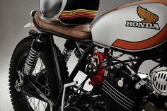 Honda by Custom Honda Bobber, Honda Motorcycles, Motorcycle Engine, Motorcycle Design, Cg 125 Cafe Racer, Cities In South America, Brat Cafe, Scrambler, Bike