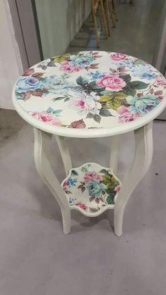 Painted Furniture, Furniture Decor, Upcycled Furniture, Refinishing Furniture, Recycled Furniture, Painted Chairs, Furniture Makeover, Shabby Chic Furniture, Decoupage Furniture